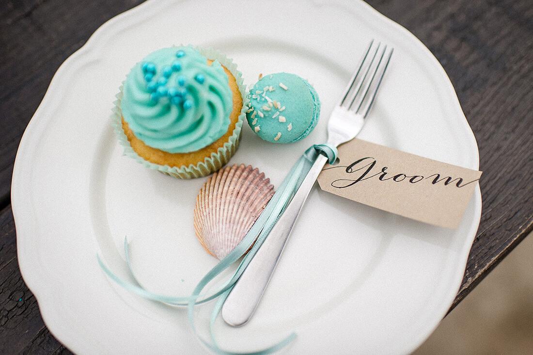 Tischetikette groom Kraftpapier und cupcake