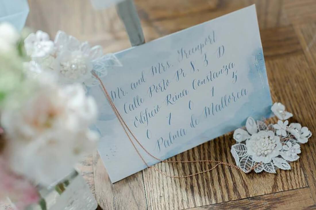 Taubenblau & Gau Tischpapeterie Hochzeit Inspiration
